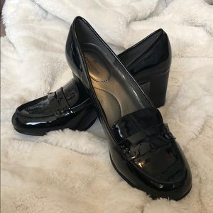 Bandolino Black Penny Loafer Heels